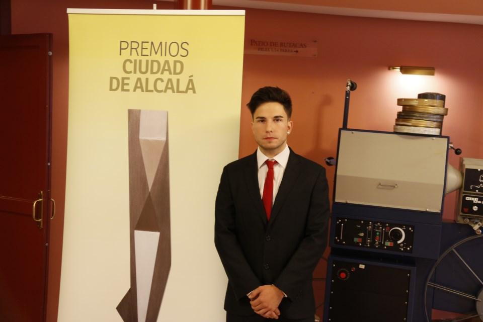 Alejandro Gómez de Francisco ganador del Premio Ciudad de Alcalá 2018 a la investigación histórica (foto: Joaquín Ropero)